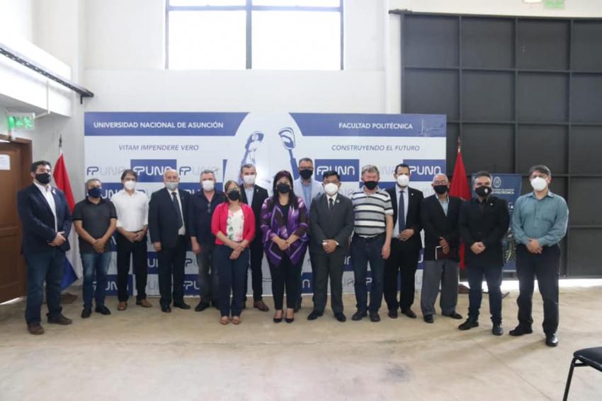 Representantes de empresa ensambladora de aviones visitaron la Facultad Politécnica de la Universidad Nacional de Asunción (FP-UNA)