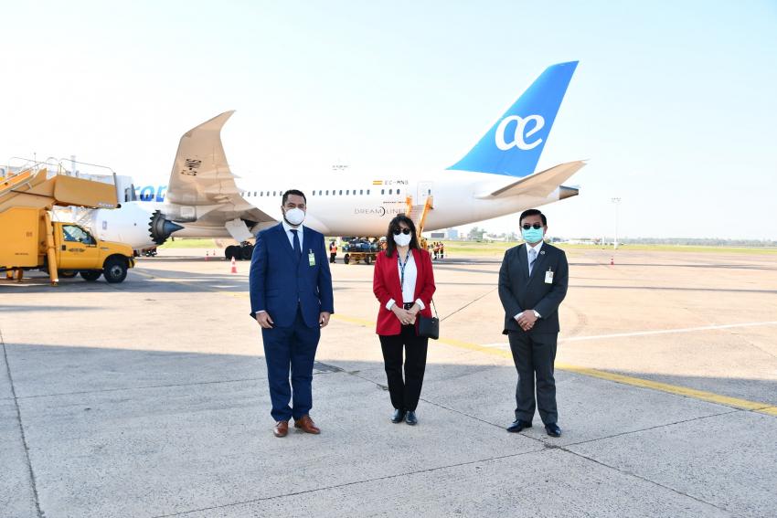 Air Europa llego a Asunción desde Madrid con 285 pasajeros.